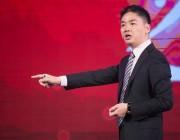 刘强东:京东正在发展无人卡车 未来要用机器人送货