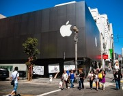 苹果明年上 OLED 屏幕:国产手机或面临断供危机
