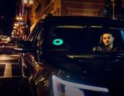"""Uber 推出了一款可以让你快速找到网约车的""""彩灯"""""""