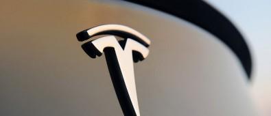 特斯拉推出换电池机器人 15 分钟充满电实现不间断旅行