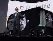 """丰田正式宣布自己""""不再是汽车厂""""!这家传统汽车巨头,竟抛出了一份最大胆的竞争对手名单:谷歌、苹果、Facebook"""